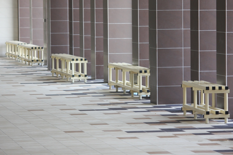 4 benches